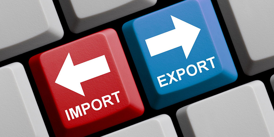 Import (red) and export (blue) buttons on computer key board