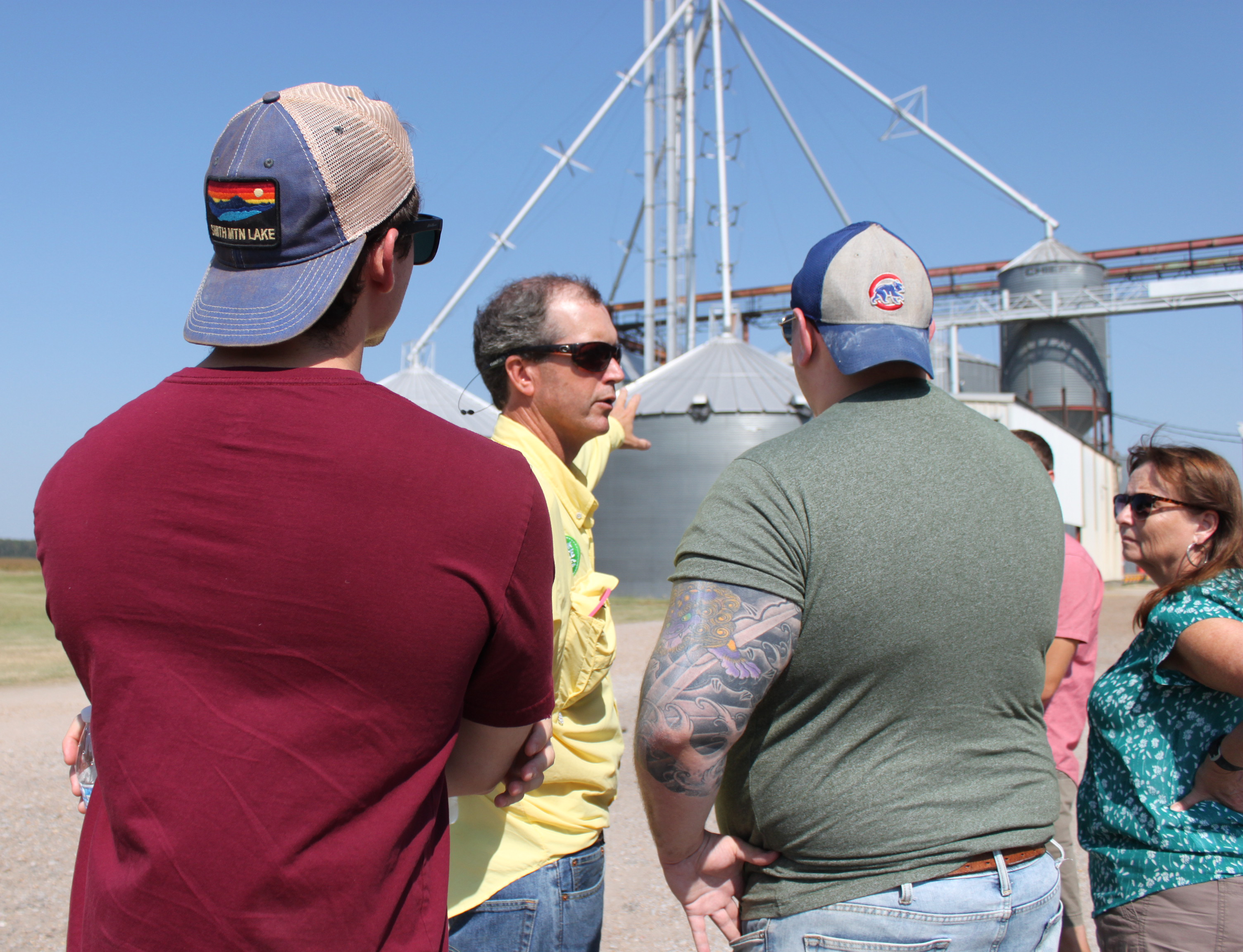 02 DP-2019 MS Farm & Mill Tour, group with Carter Murrell-190925