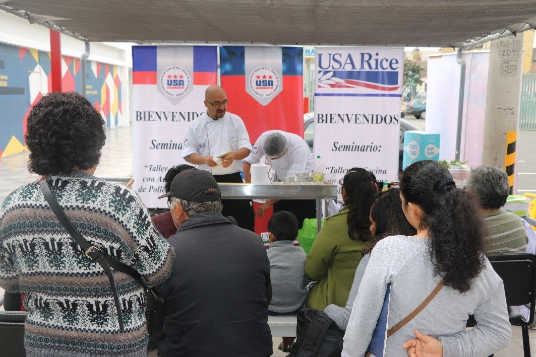 Rice tasting and demonstration at a grocery store in Peru