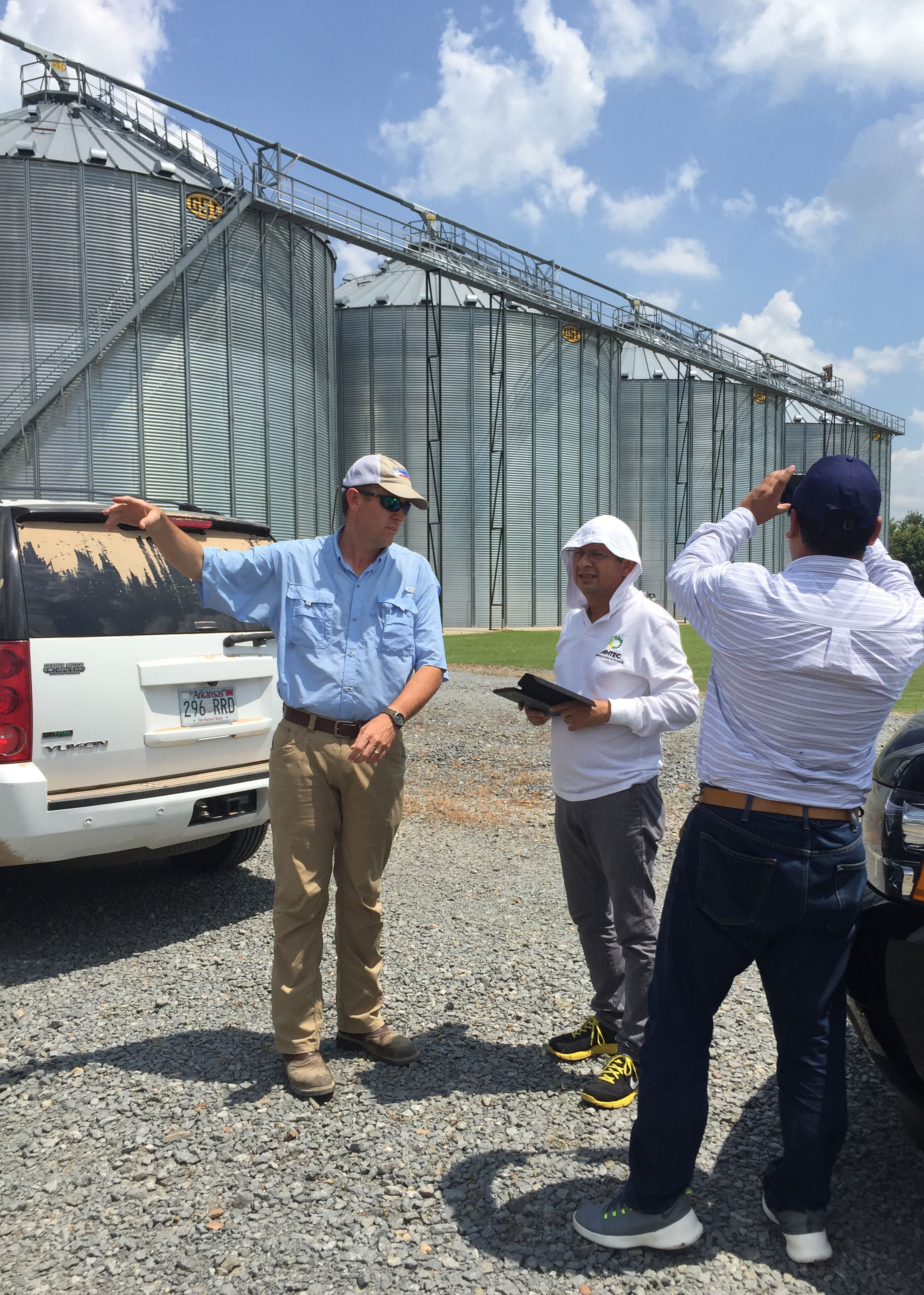 ITP.w-Colombia-Delegation-at-Brantley-Farm-160623