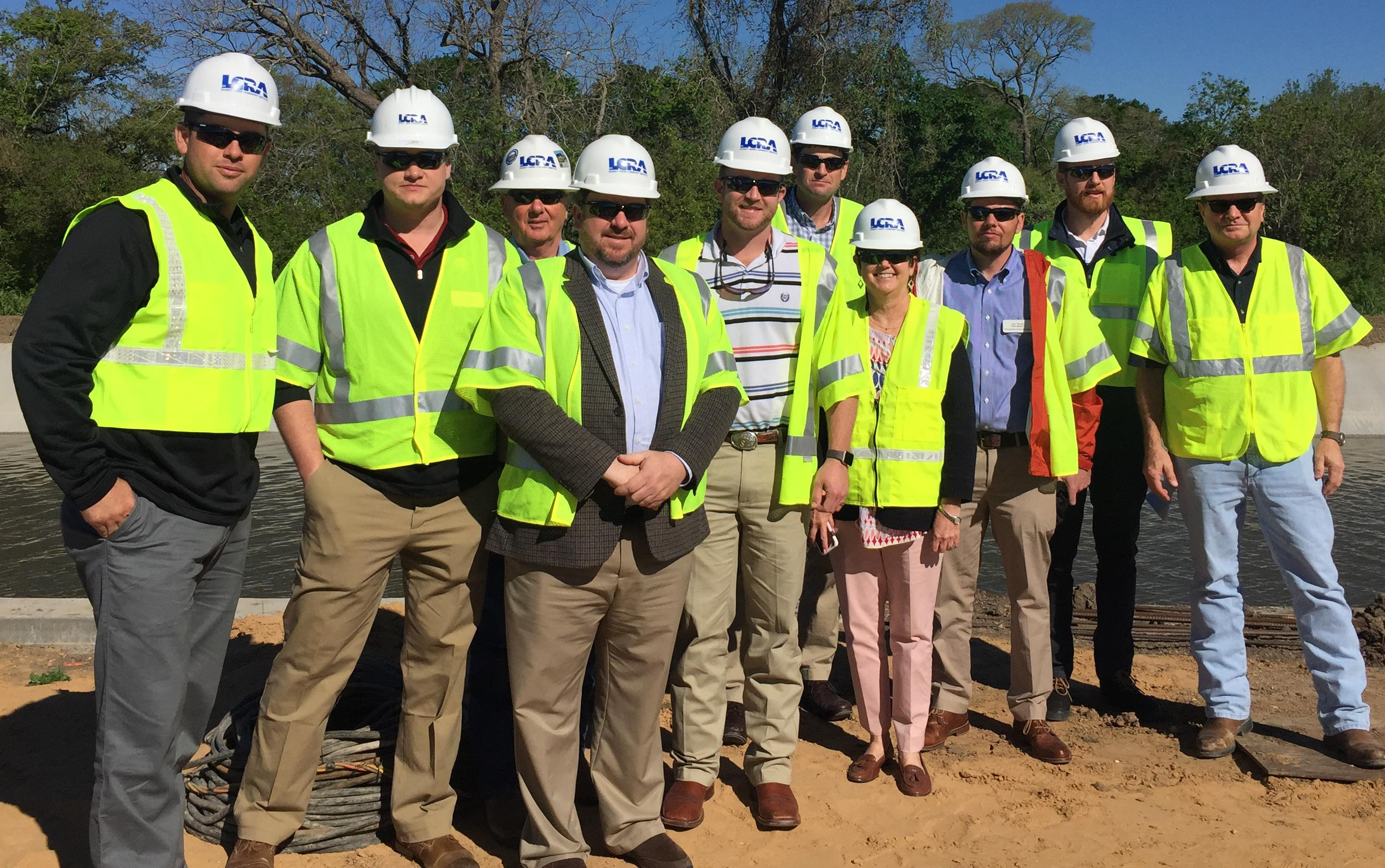 2018 Leadership Class tours Arbuckle Reservoir in Texas