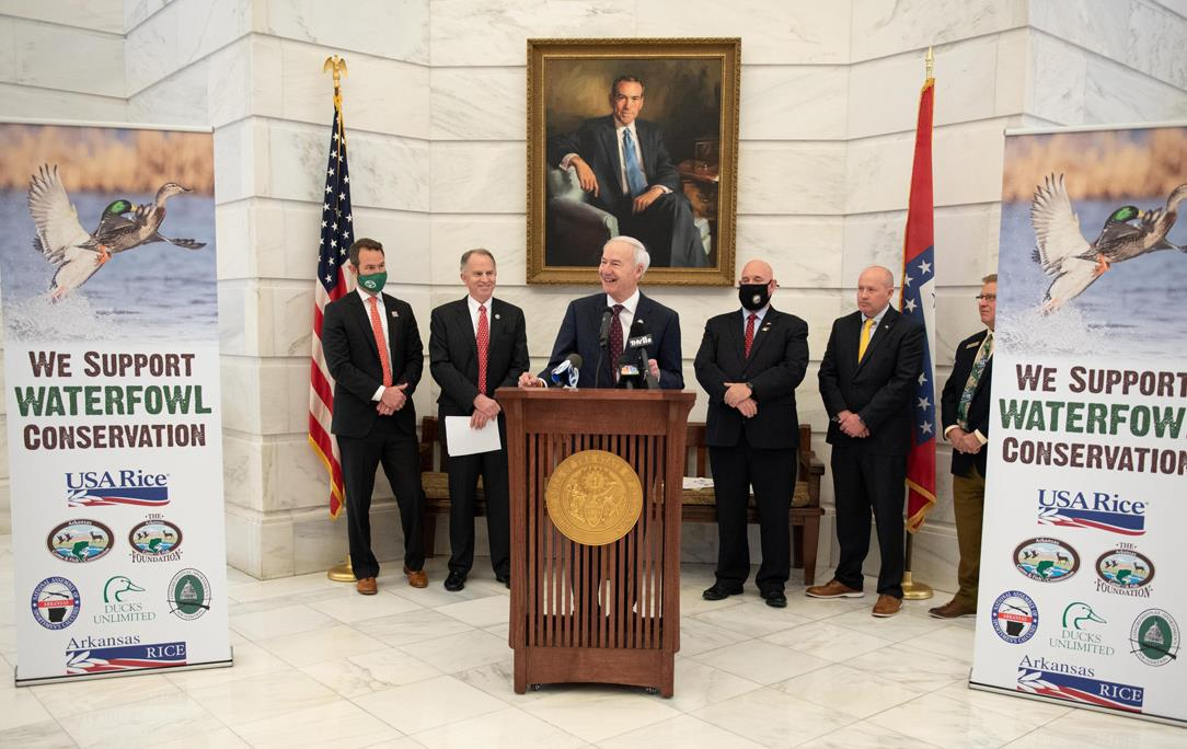 AR-Gov-Asa-Hutchinson-at-DU-Press-Conference