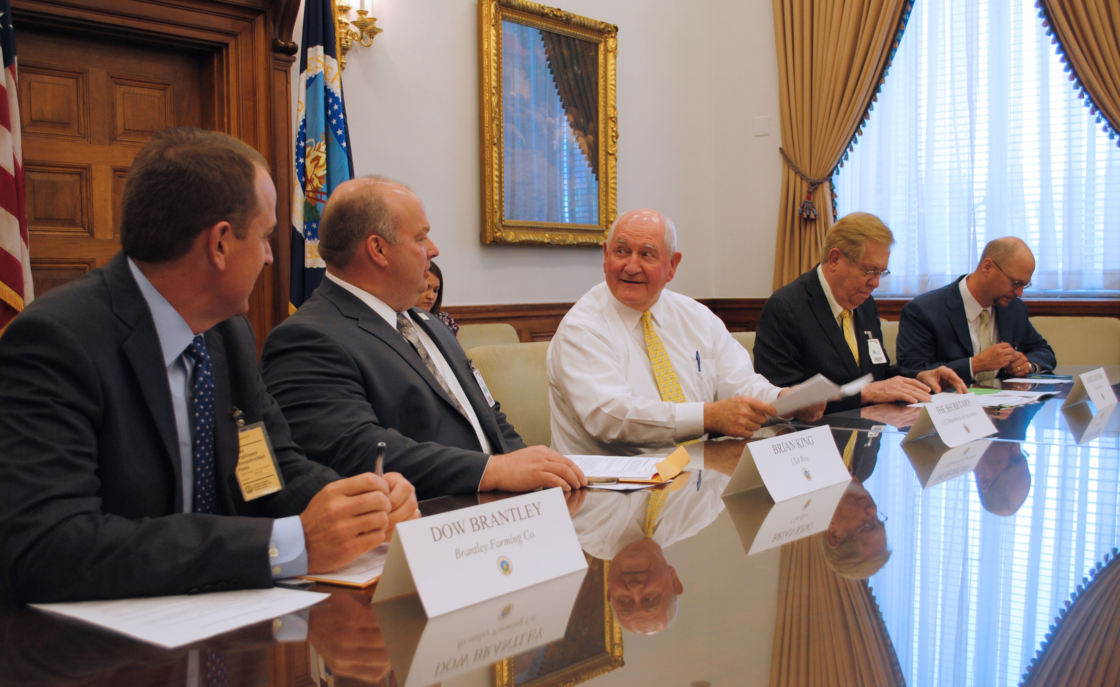 Secretary-Perdue-Talks-with-USA-Rice