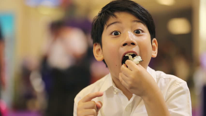 ITP.w-20th-Annual-Japan-Technical-Mtg,-boy-eating-rice-170824